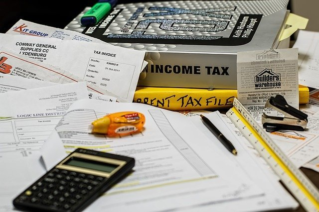 How does the $8,000 tax credit impact real estate investors?